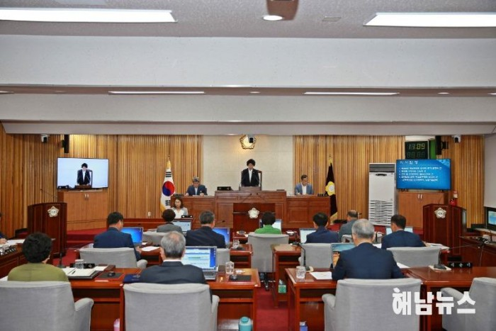 군의회2019.jpg