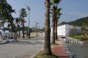 해남 화원 블랑코비치 `반쪽짜리' 전락