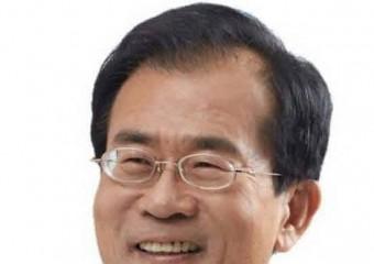 윤영일 의원. 2019 공공정책 대상 입법분야 대상 수상